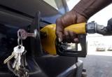 باید سهمیه بنزین به مردم داده شود نه خودرو.
